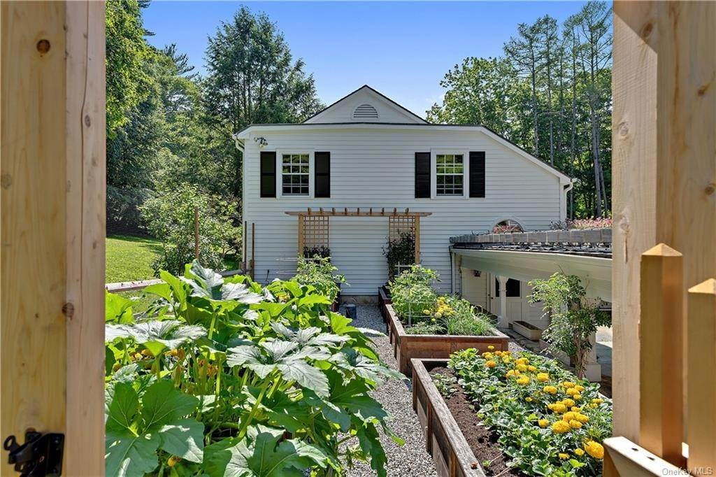 22. Rental Communities for Rent at 148 Meeting House Road Bedford Corners, New York, 10549 United States