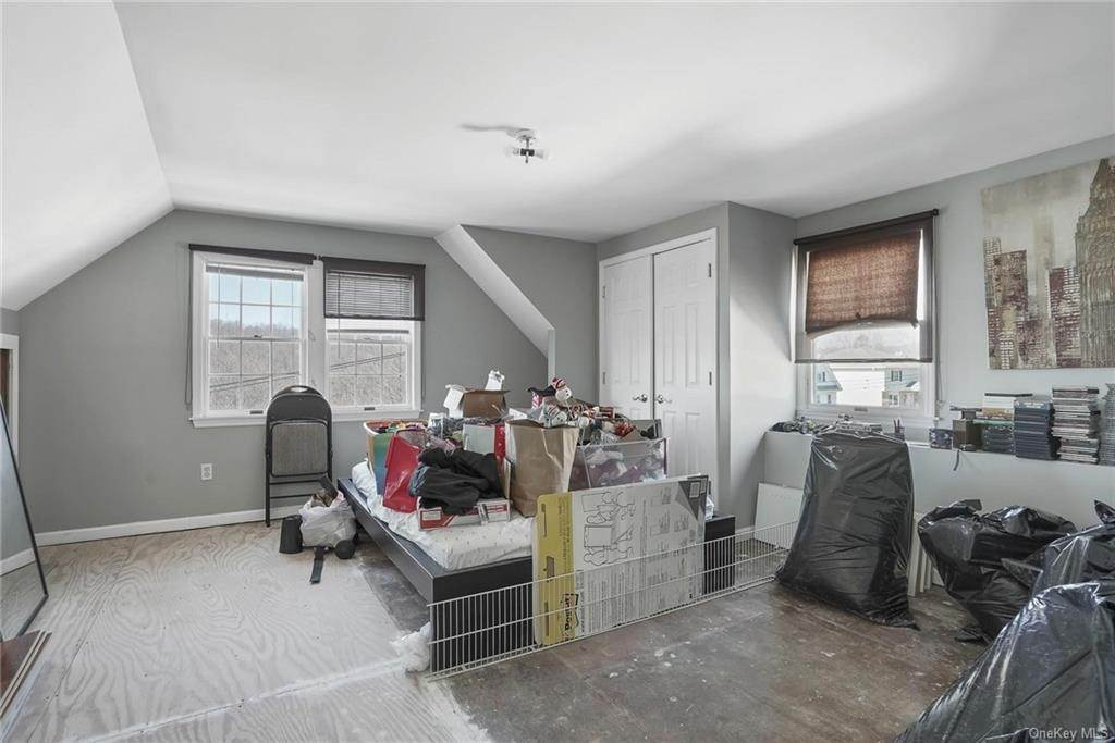 23. Single Family Home for Sale at 354 Columbus Avenue West Harrison, New York, 10604 United States