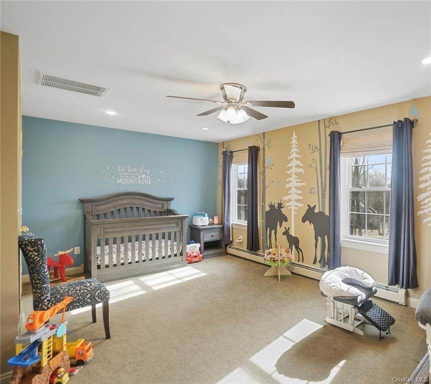 24. Single Family Home for Sale at 19 Coleman Drive Campbell Hall, New York, 10916 United States