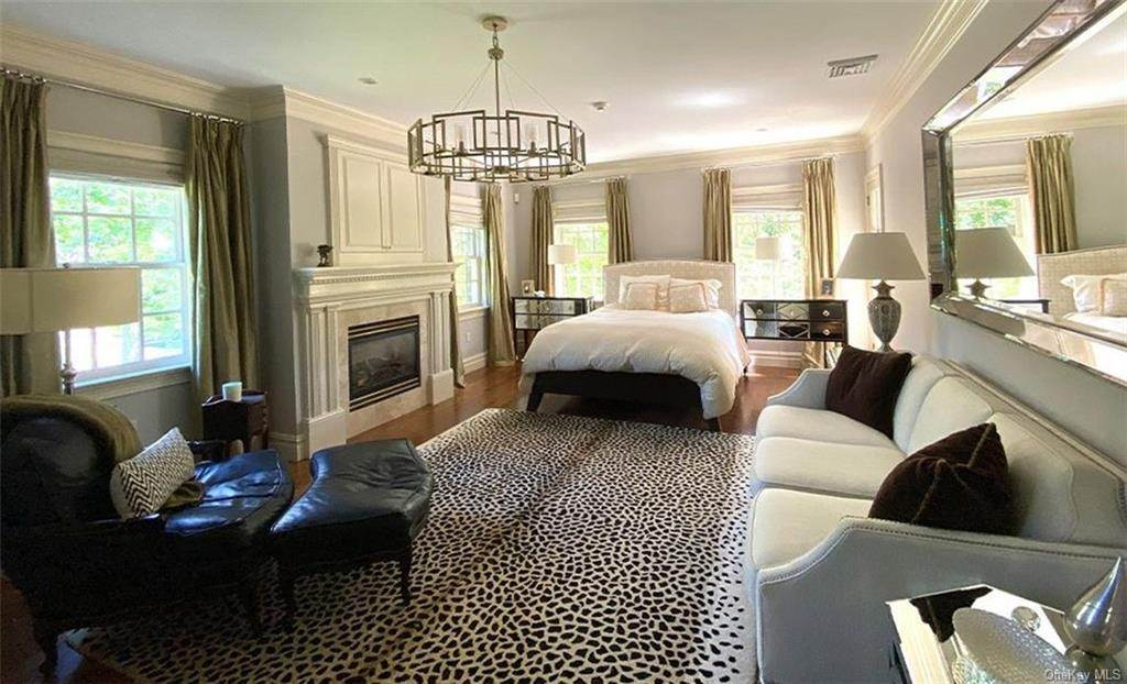 24. Single Family Home for Sale at 75 Summit Road Tuxedo Park, New York, 10987 United States