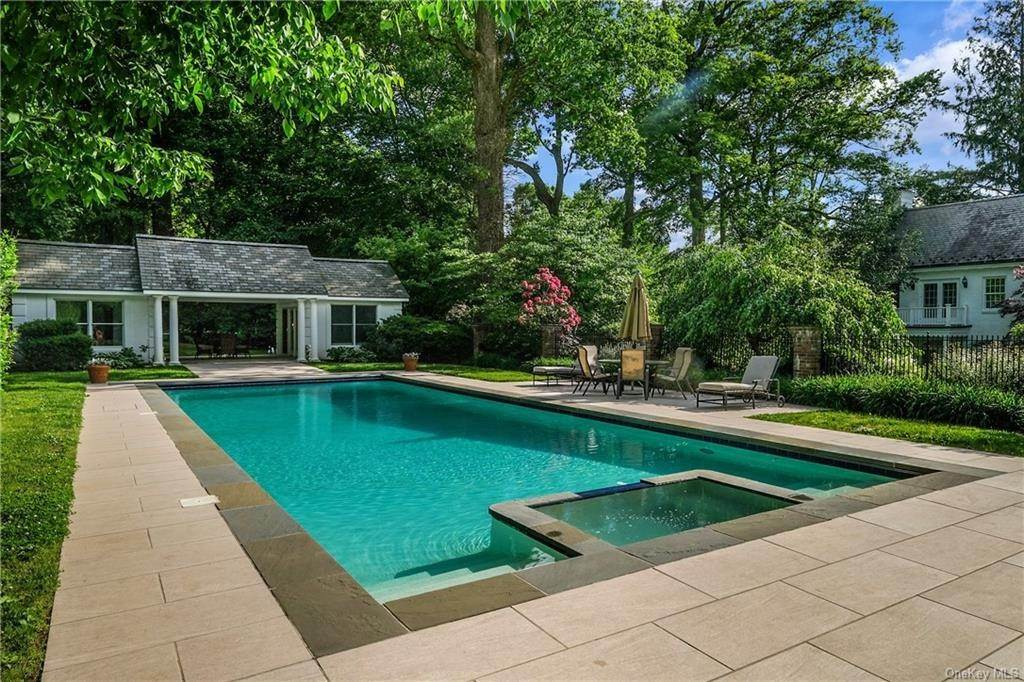 24. Rental Communities for Rent at 17A Heathcote Road Scarsdale, New York, 10583 United States