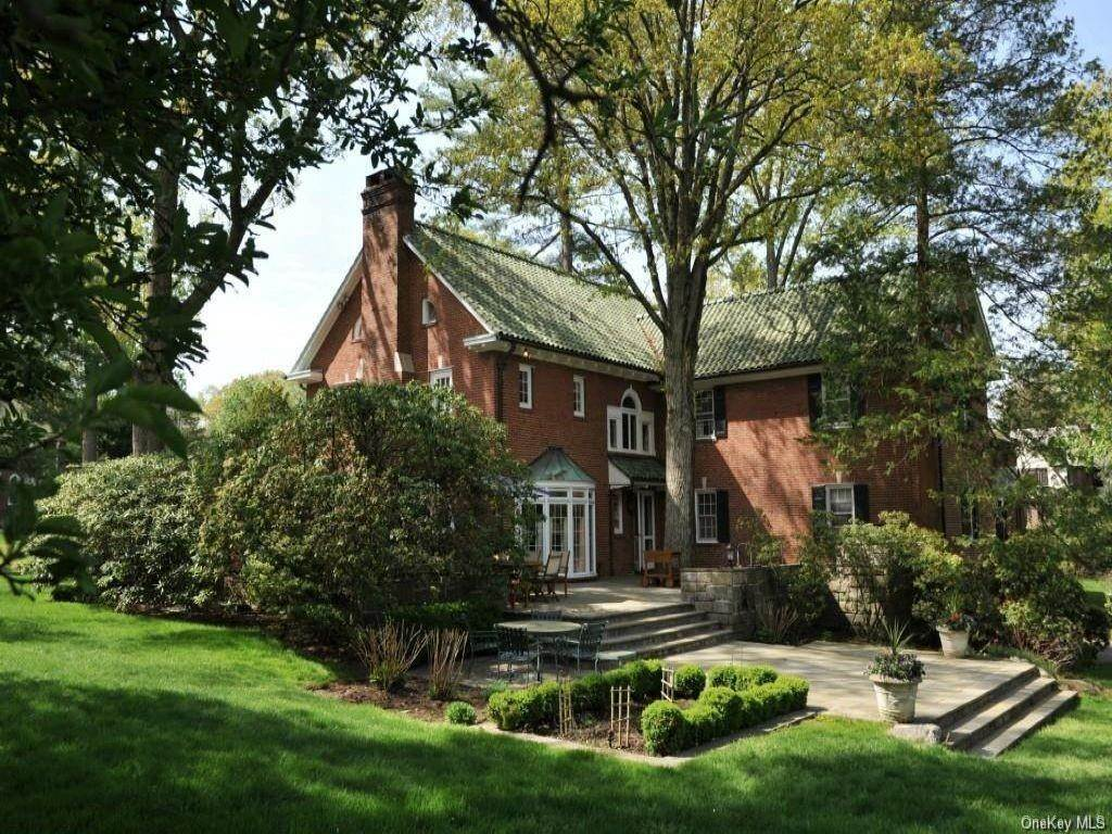 24. Rental Communities for Rent at 290 Overlook Road New Rochelle, New York, 10804 United States