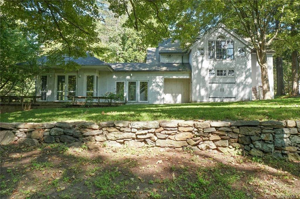 24. Single Family Home for Sale at 233 Long Ridge Road Bedford, New York, 10506 United States