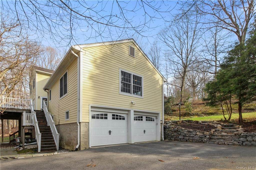 25. Single Family Home por un Venta en 16 Hillcrest Circle Chappaqua, Nueva York, 10514 Estados Unidos