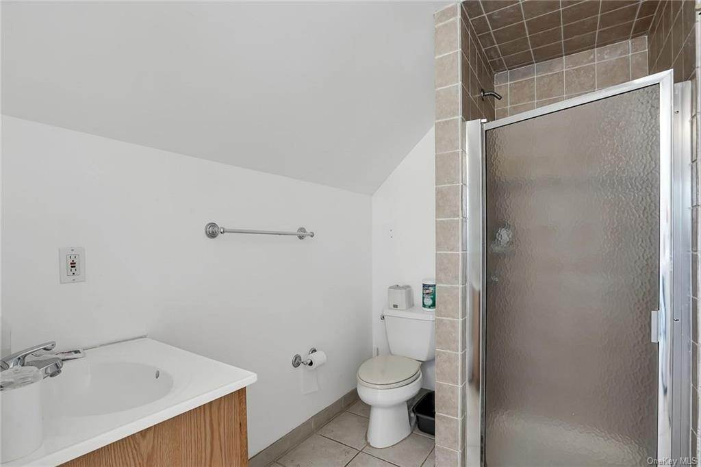 25. Single Family Home for Sale at 354 Columbus Avenue West Harrison, New York, 10604 United States