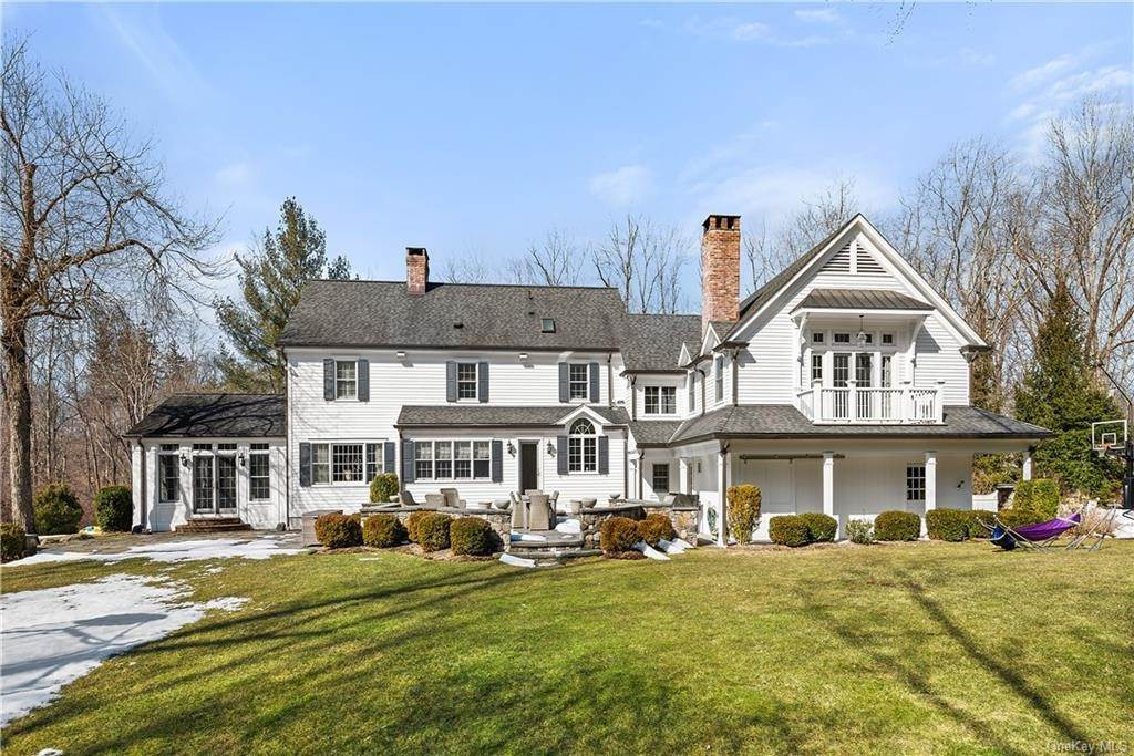 25. Single Family Home for Sale at 17 Colony Row Chappaqua, New York, 10514 United States