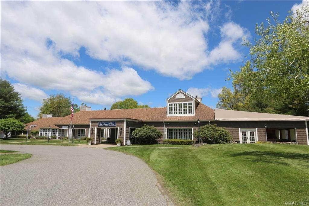 25. Single Family Home for Sale at 779 Heritage Hills Somers, New York, 10589 United States
