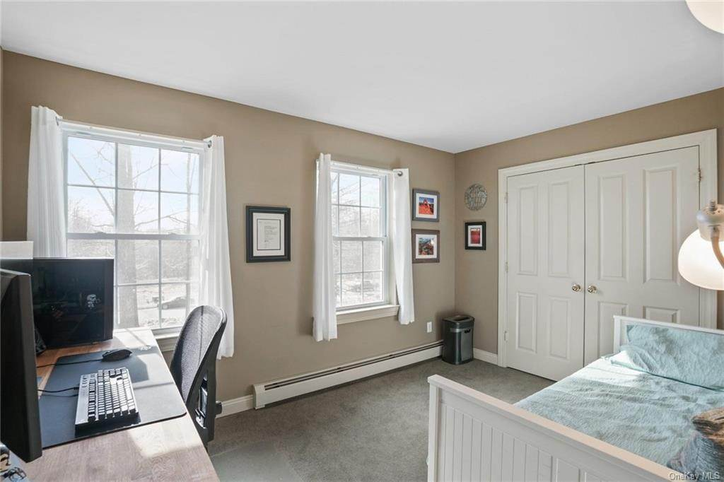 26. Single Family Home for Sale at 19 Coleman Drive Campbell Hall, New York, 10916 United States