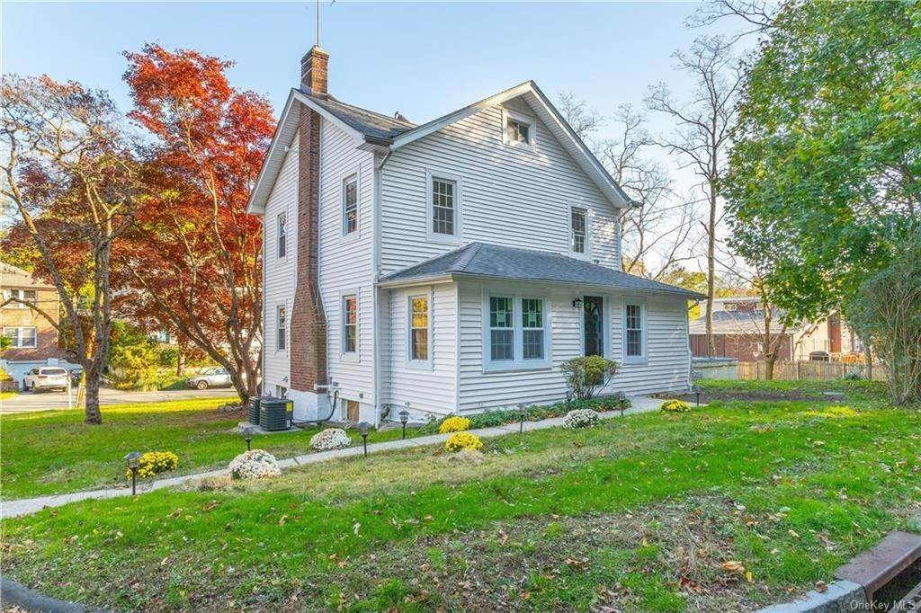 26. Single Family Home for Sale at 107 Valley Road White Plains, New York, 10604 United States