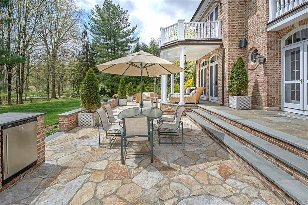 26. Single Family Home por un Venta en 24 Heathcote Drive Mount Kisco, Nueva York, 10549 Estados Unidos