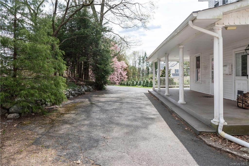 26. Single Family Home por un Venta en 64 Old Pascack Road Pearl River, Nueva York, 10965 Estados Unidos