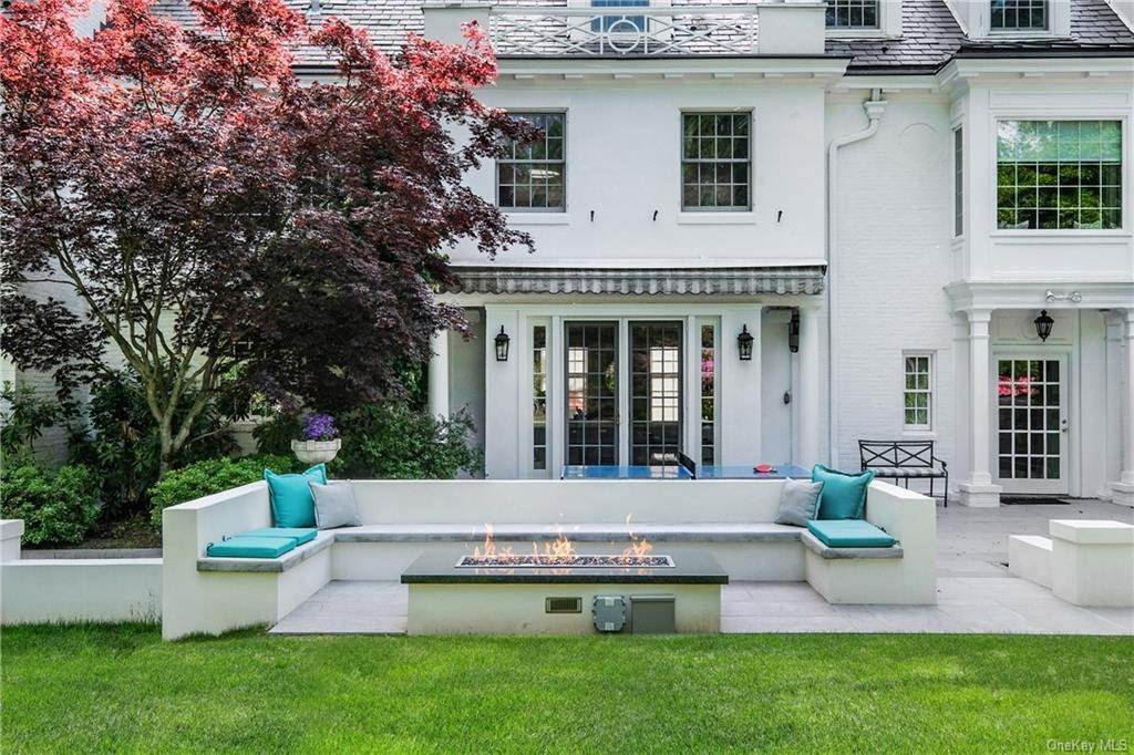 26. Rental Communities for Rent at 17A Heathcote Road Scarsdale, New York, 10583 United States