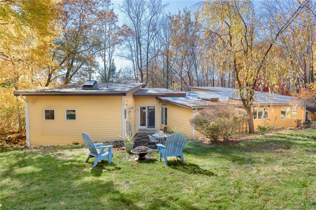 26. Single Family Home for Sale at 251 S Mountain Road New City, New York, 10956 United States