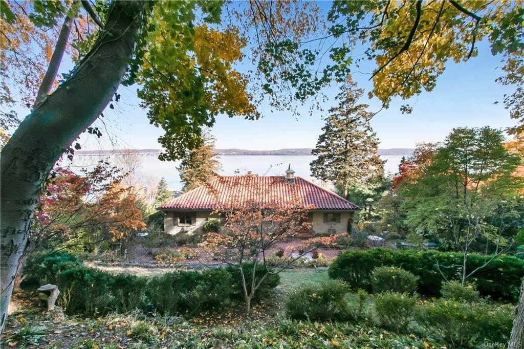 26. Single Family Home for Sale at 223 River Road Nyack, New York, 10960 United States