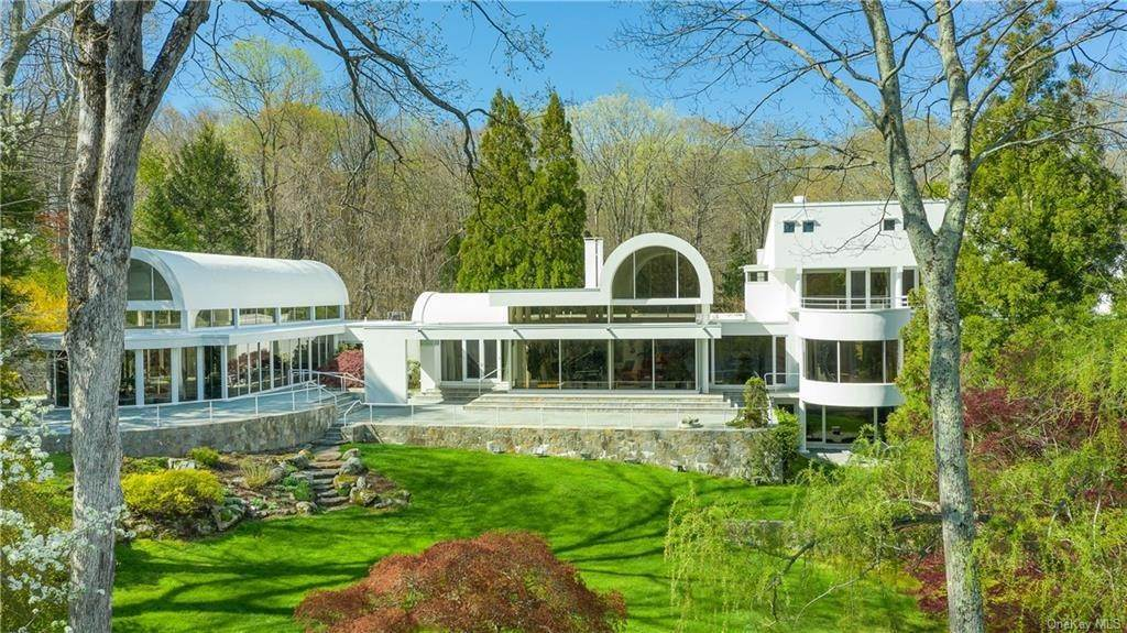 26. Single Family Home for Sale at 38 Mallard Lake Road Pound Ridge, New York, 10576 United States