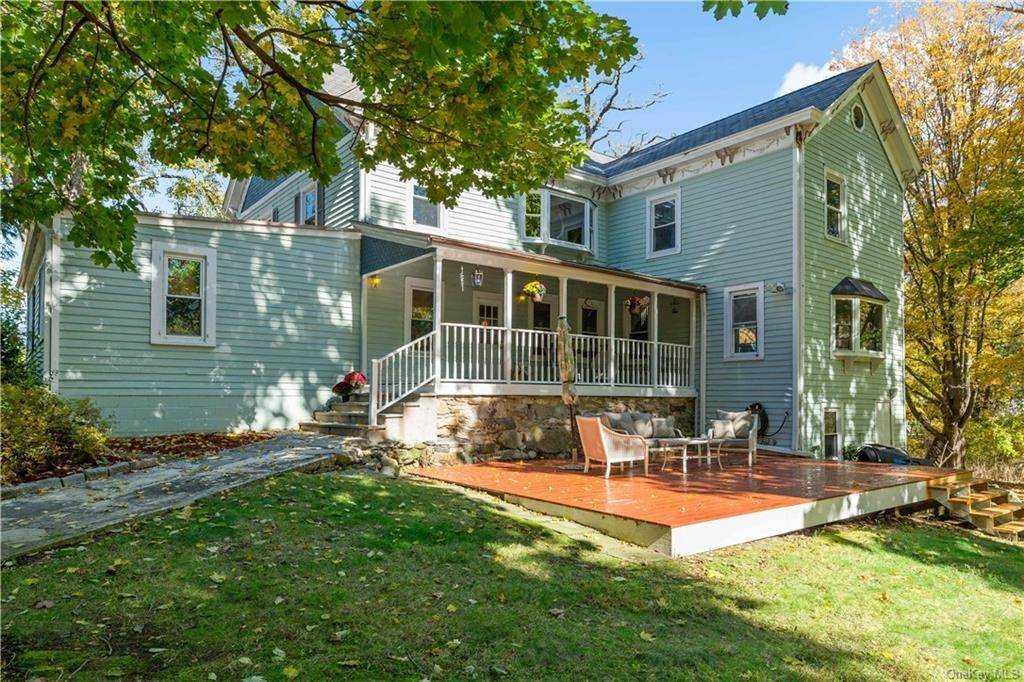 26. Single Family Home for Sale at 1683 Strawberry Road Mohegan Lake, New York, 10547 United States