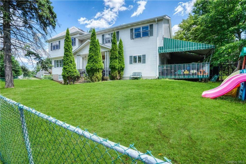 27. Single Family Home for Sale at 22 Stephens Place Spring Valley, New York, 10977 United States