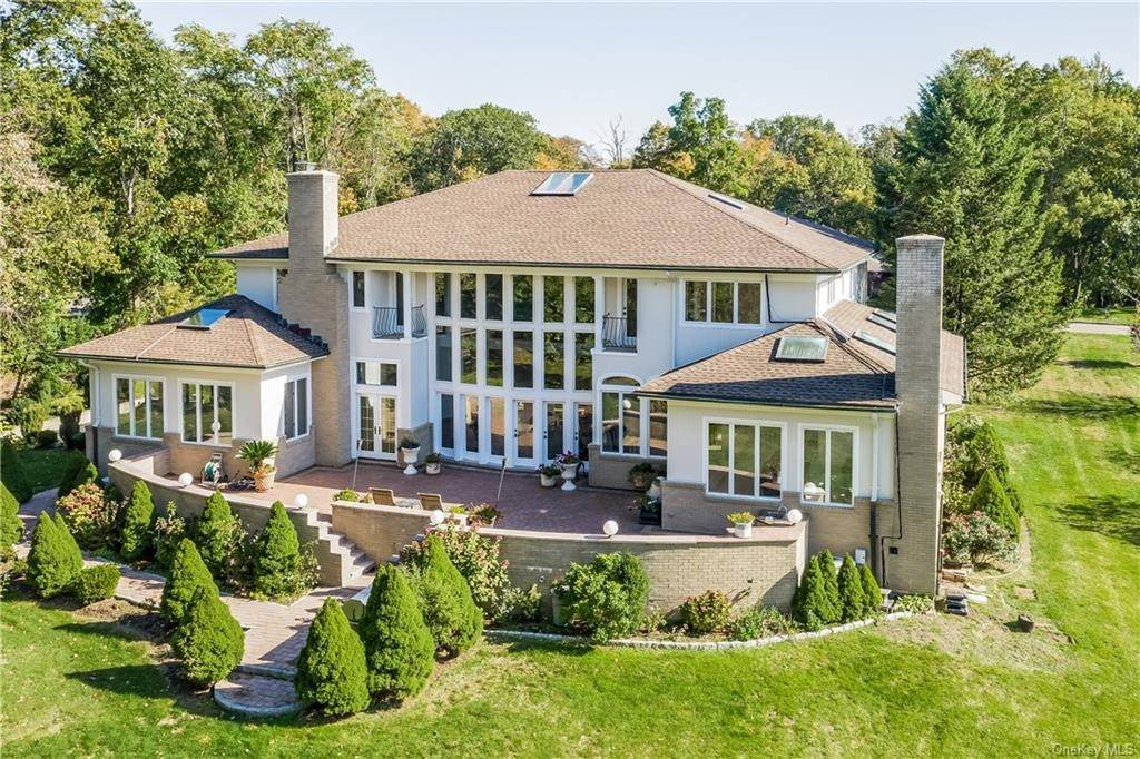 27. Single Family Home for Sale at 11 Kenilworth Lane Rye, New York, 10580 United States