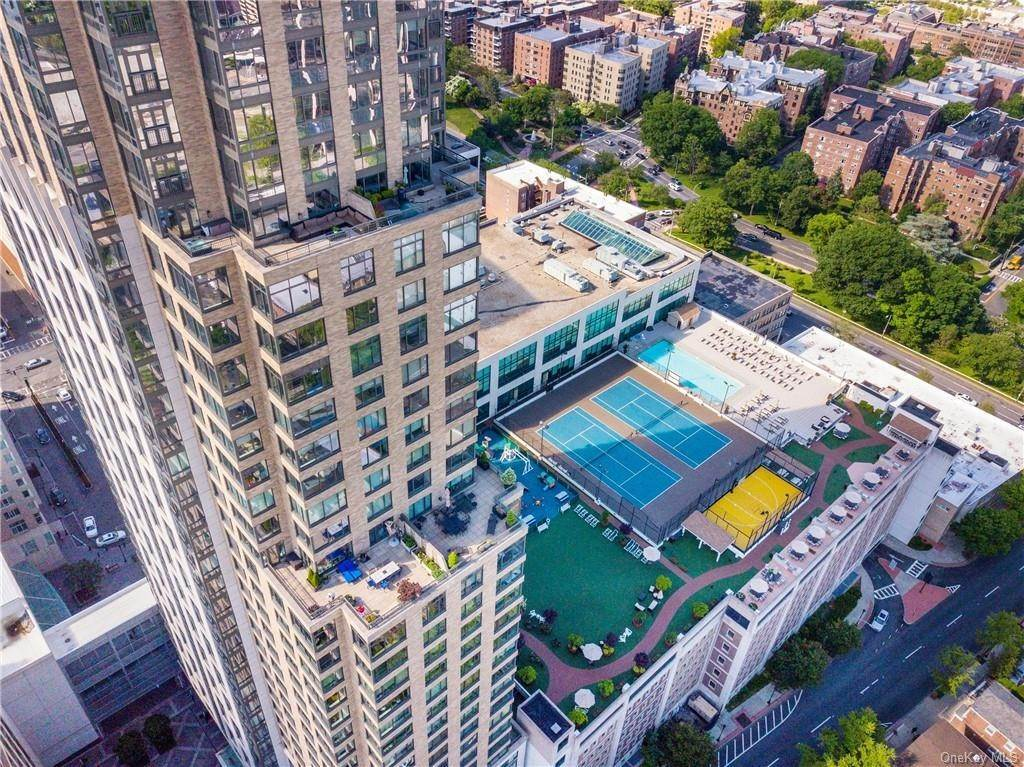27. Rental Communities for Rent at 10 City Place White Plains, New York, 10601 United States