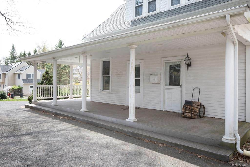 27. Single Family Home por un Venta en 64 Old Pascack Road Pearl River, Nueva York, 10965 Estados Unidos