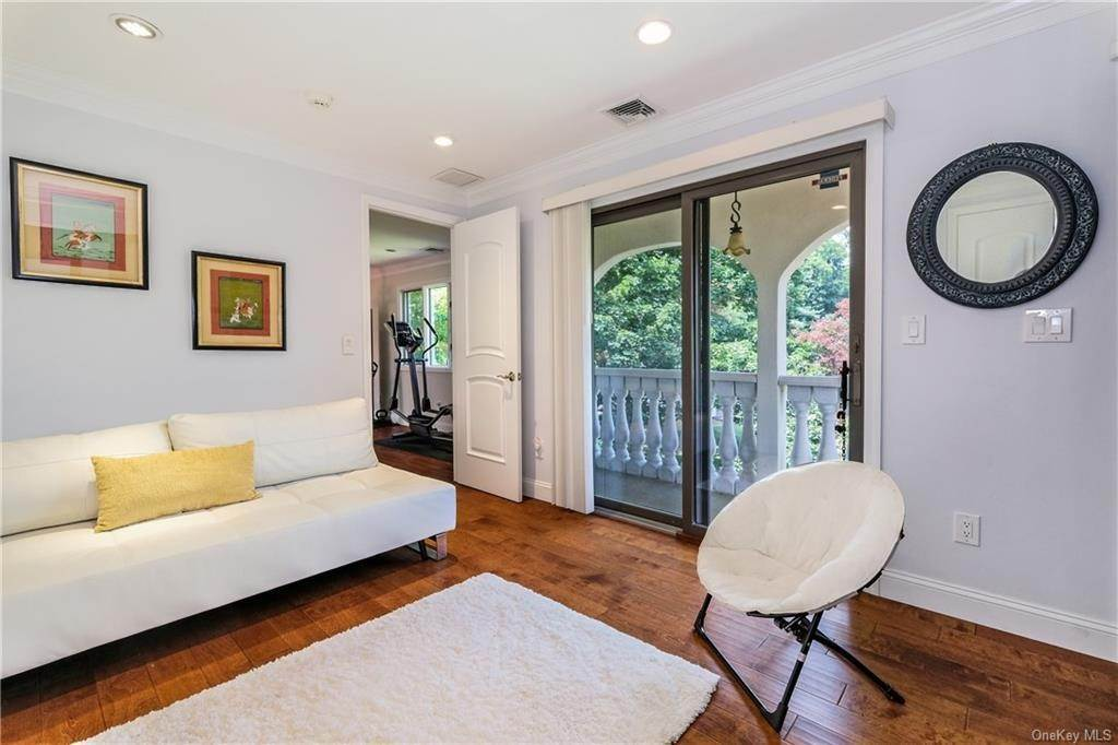 27. Rental Communities for Rent at 190 Fort Hill Road Scarsdale, New York, 10583 United States