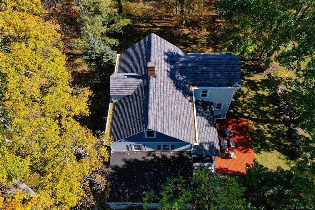 27. Single Family Home for Sale at 1683 Strawberry Road Mohegan Lake, New York, 10547 United States