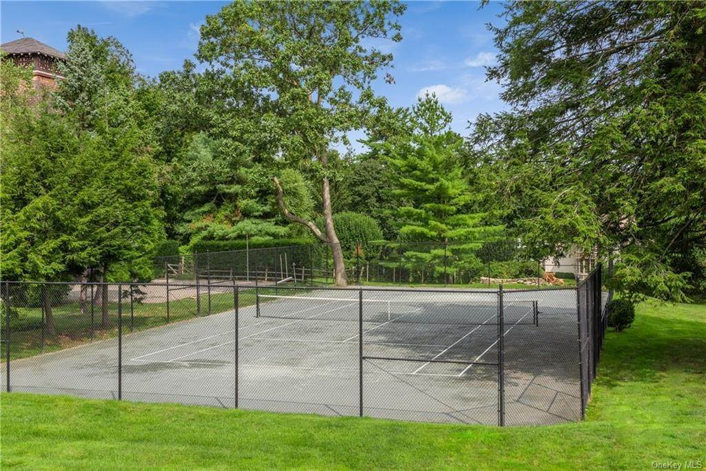 28. Single Family Home for Sale at 10 Broad Brook Road Bedford Hills, New York, 10507 United States