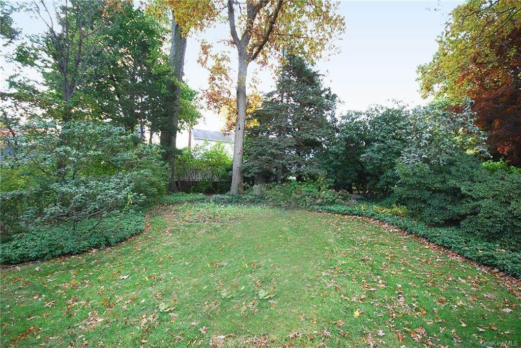 28. Single Family Home for Sale at 28 Wiltshire Street Bronxville, New York, 10708 United States