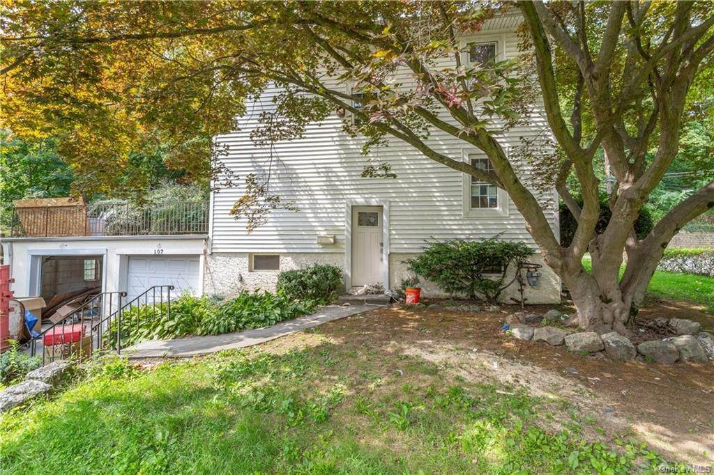 28. Single Family Home for Sale at 107 Valley Road White Plains, New York, 10604 United States