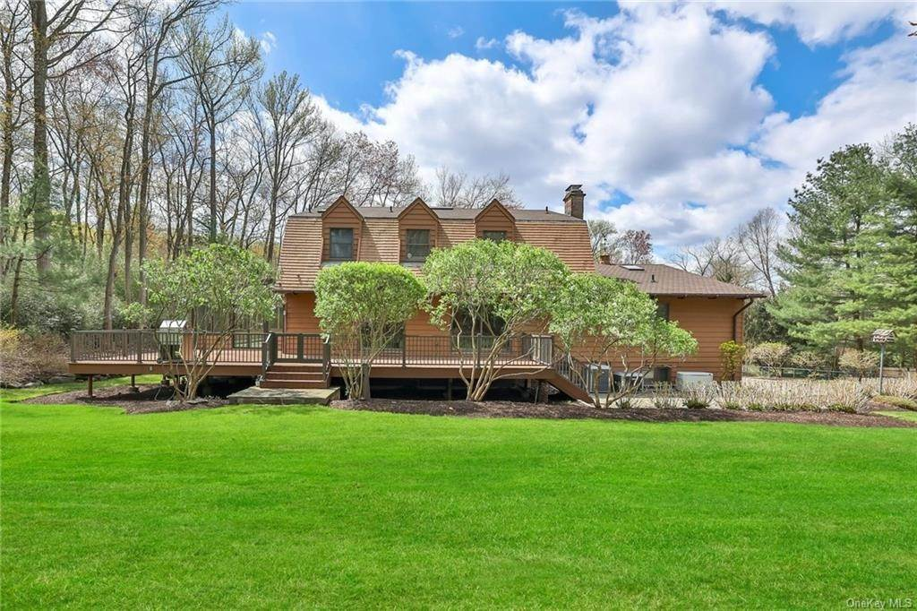 29. Single Family Home for Sale at 1A Century Road Palisades, New York, 10964 United States