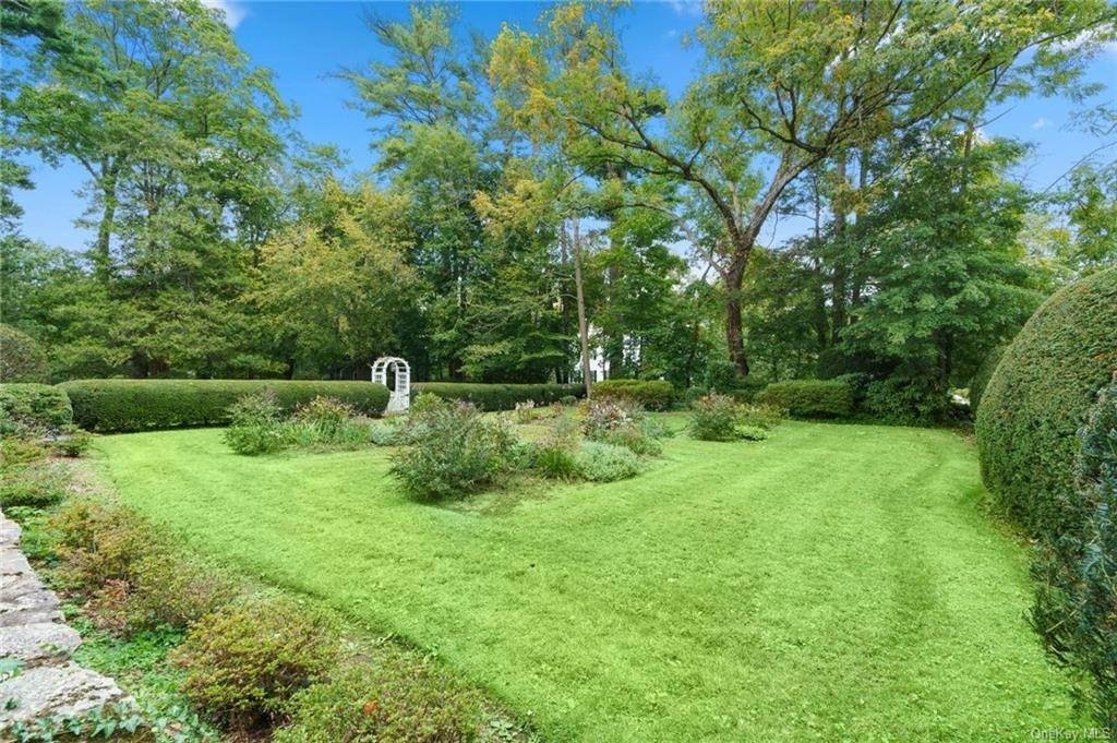 29. Single Family Home for Sale at 3 Richbell Road Scarsdale, New York, 10583 United States