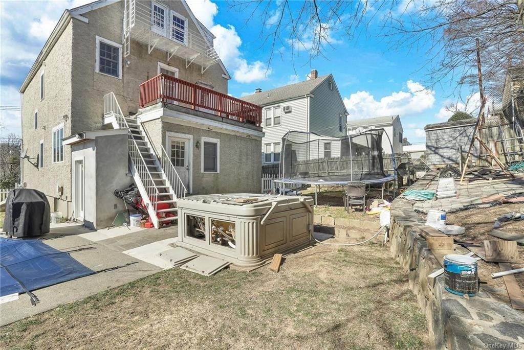 29. Single Family Home for Sale at 354 Columbus Avenue West Harrison, New York, 10604 United States
