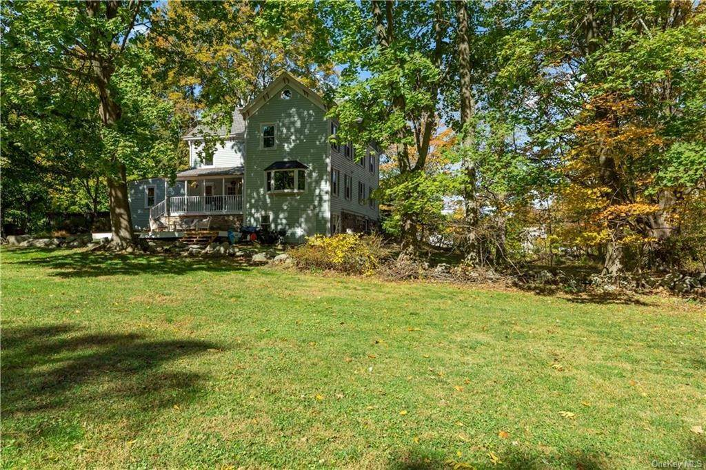 29. Single Family Home for Sale at 1683 Strawberry Road Mohegan Lake, New York, 10547 United States