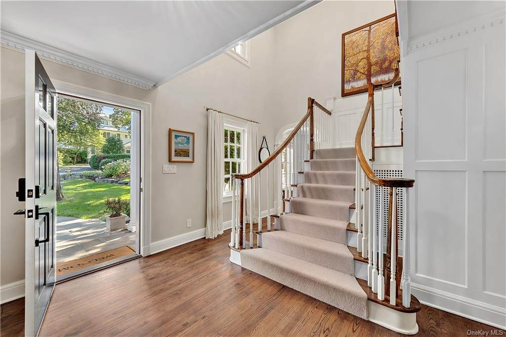 3. Single Family Home por un Venta en 25 Ridge Road Bronxville, Nueva York, 10708 Estados Unidos
