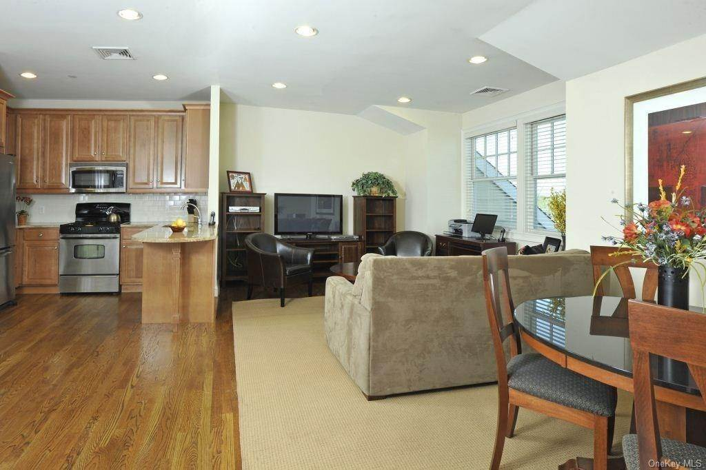 3. Rental Communities for Rent at 10 School Street Rye, New York, 10580 United States