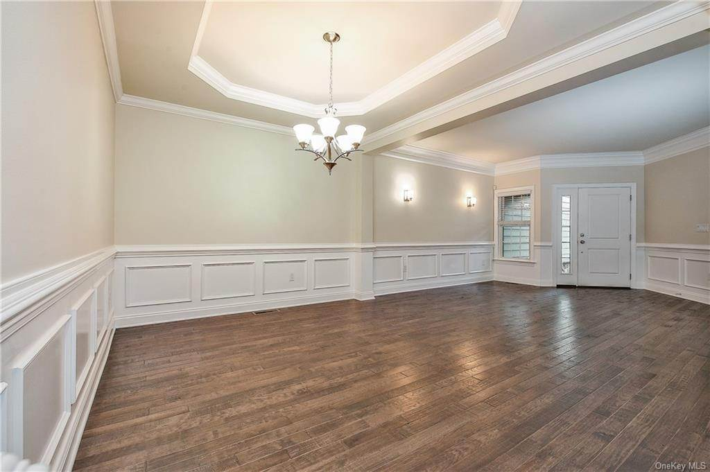 3. Single Family Home for Sale at 28 Deforest Drive Cortlandt Manor, New York, 10567 United States