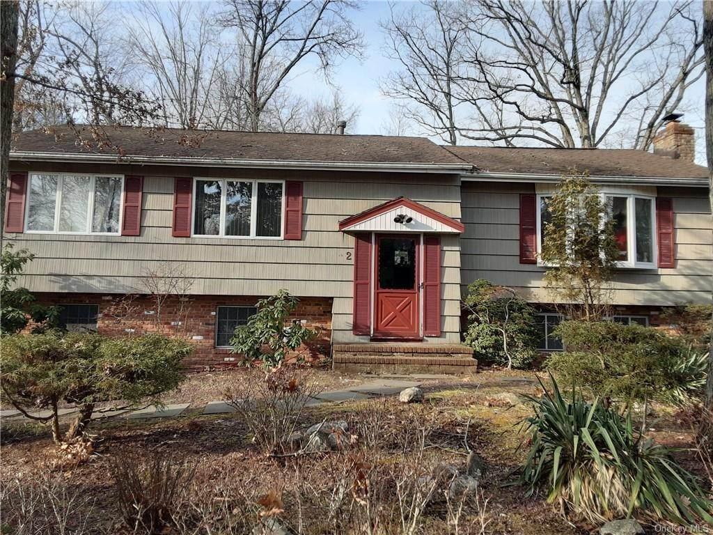 3. Single Family Home for Sale at 2 Marjorie Drive Suffern, New York, 10901 United States