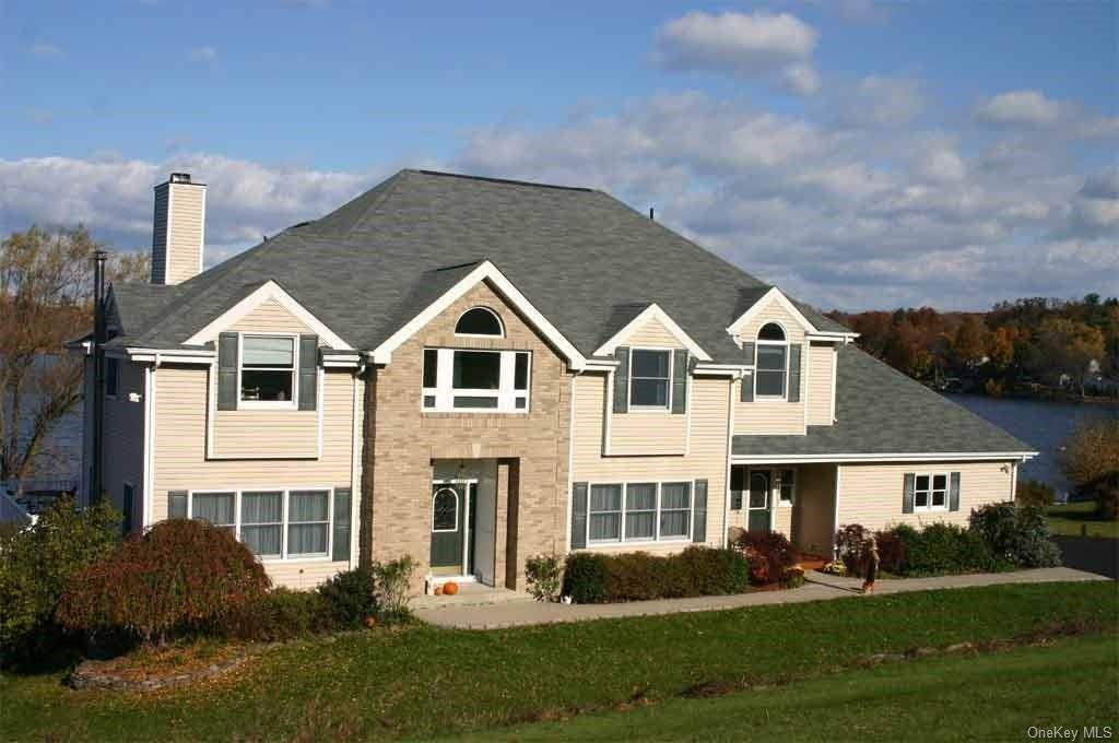 3. Single Family Home for Sale at 80 Waterview Terrace New Windsor, New York, 12553 United States