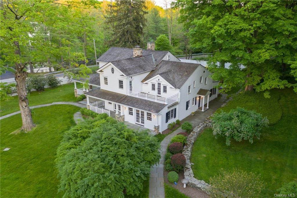 3. Single Family Home for Sale at 245 Bedford Banksville Road Bedford, New York, 10506 United States