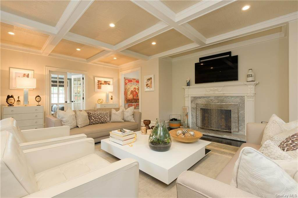 3. Single Family Home for Sale at 29 Valley Road Bronxville, New York, 10708 United States