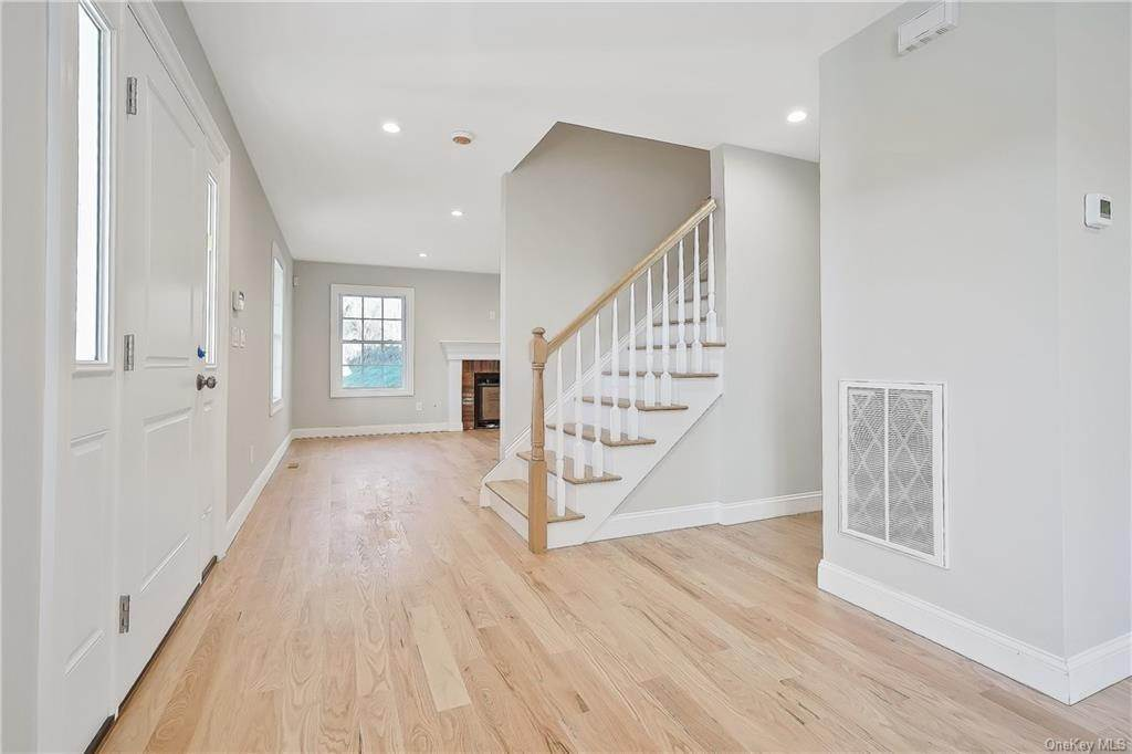 3. Single Family Home for Sale at 64 Hawkes Avenue Ossining, New York, 10562 United States