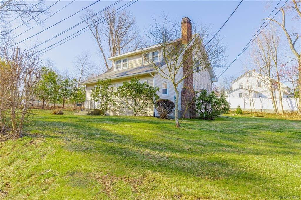 3. Single Family Home for Sale at 25 North Street Bedford Hills, New York, 10507 United States