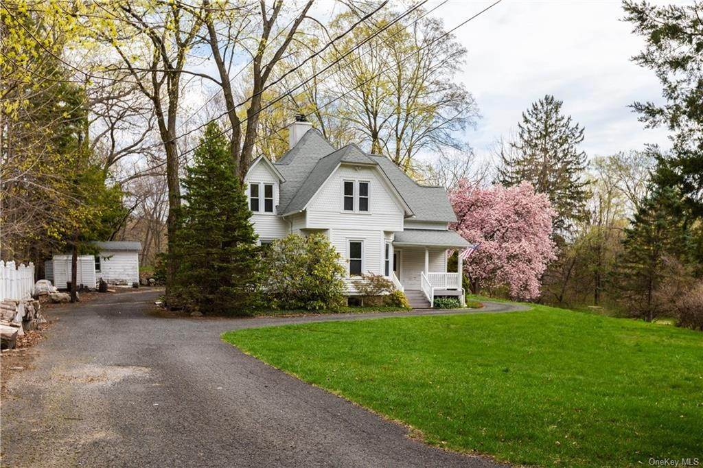 3. Single Family Home por un Venta en 64 Old Pascack Road Pearl River, Nueva York, 10965 Estados Unidos