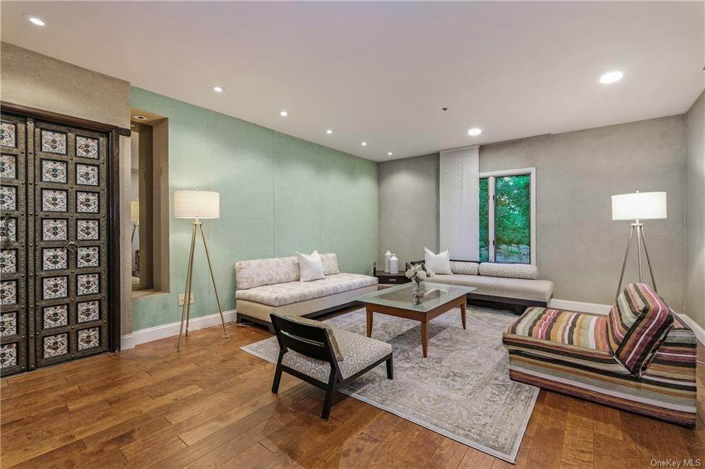3. Rental Communities for Rent at 190 Fort Hill Road Scarsdale, New York, 10583 United States
