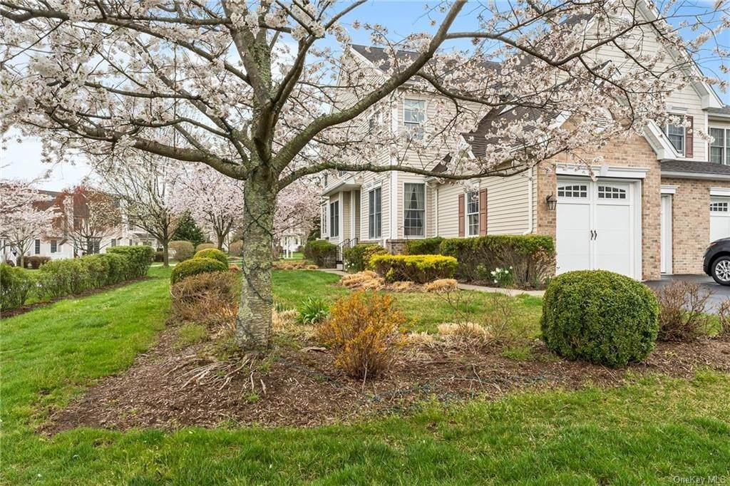 3. Single Family Home for Sale at 13 Chiusa Lane Cortlandt Manor, New York, 10567 United States