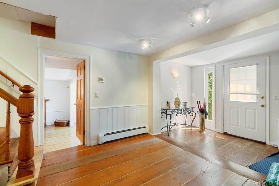 3. Single Family Home for Sale at 93 Wilmot Road New Rochelle, New York, 10804 United States