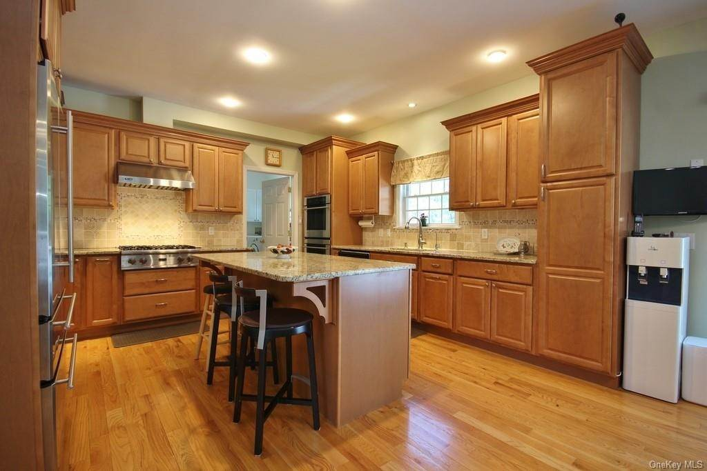 3. Single Family Home для того Продажа на 1774 Pleasantville Road Briarcliff Manor, Нью-Йорк, 10510 Соединенные Штаты
