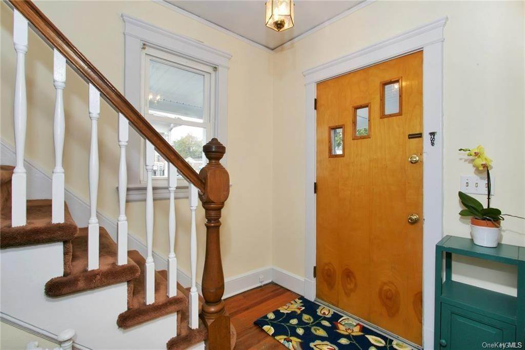 3. Single Family Home for Sale at 25 Treno Street New Rochelle, New York, 10801 United States