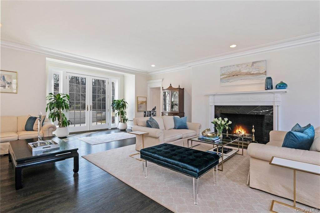3. Rental Communities for Rent at 17A Heathcote Road Scarsdale, New York, 10583 United States