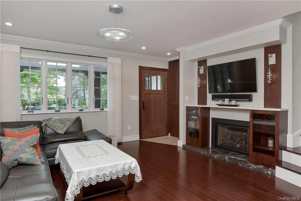 3. Rental Communities for Rent at 3 Willow Circle Bronxville, New York, 10708 United States